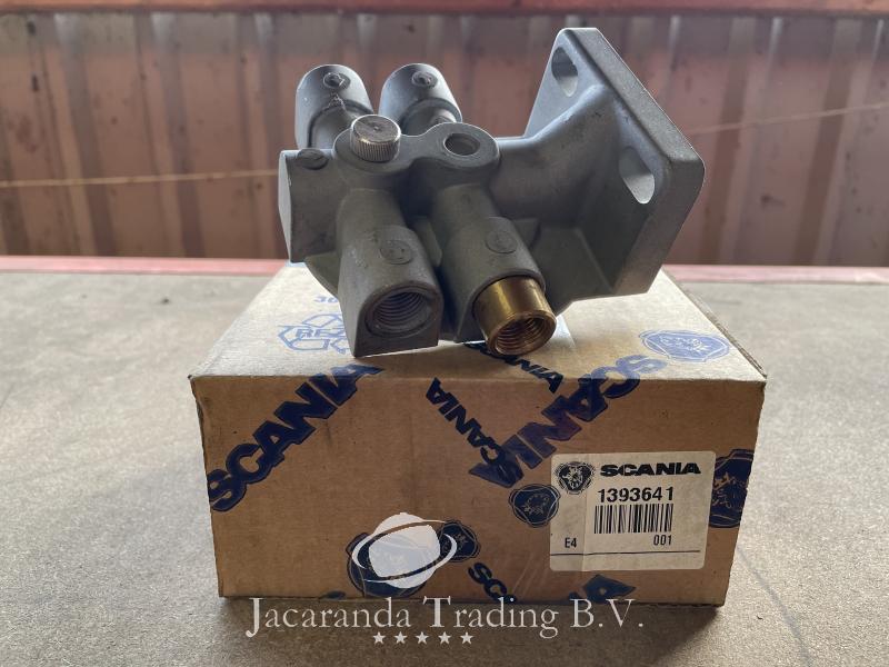 Scania Fuel filter head 1393641